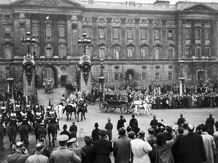 Buckingham Palace, 28 November 1947.