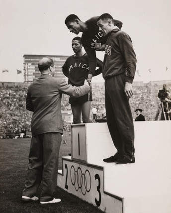Wint wins the 400m, 5 August 1948.