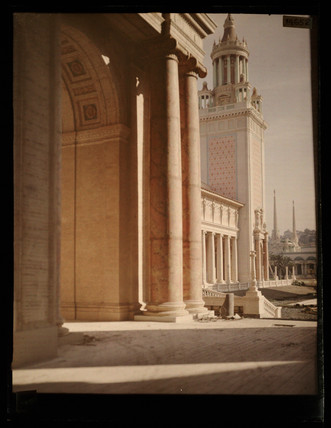 'Sunlit Shadows, Panama-Pacific Exposition, California'.