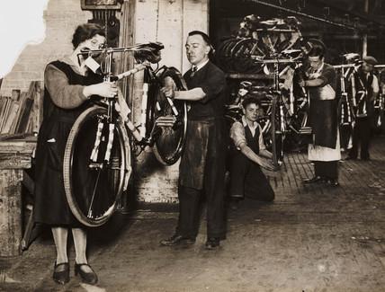 Hercules bicycle factory, Birmingham, 1931.