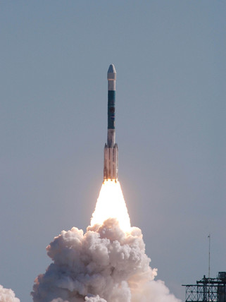 Launch of Deep Impact, 12 January 2005.