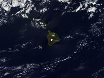 Hawaii from space, January 2005.