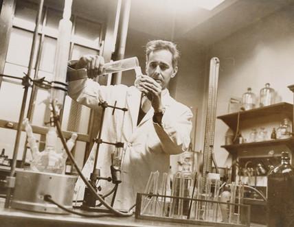 Dr Dennis Bauer in his laboratory, 13 December 1963.