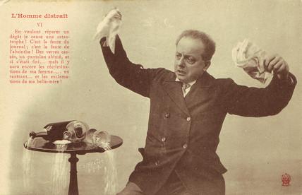 'L'Homme Distrait' postcard no 6, 1900.