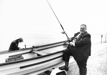Cyril Smith 'fishing' at Llandudno, September 1981.