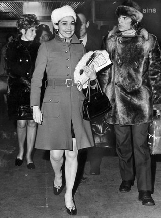 Margot Fonteyn and Rudolf Nureyev, Piccadilly Station, November 1968.