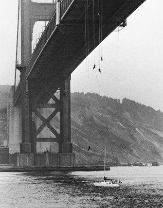 Bungee jumpers, Golden Gate Bridge, San Francisco, USA, October 1979.