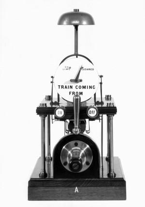 Winter's single-needle telegraphic block instrument, 1880-1885.