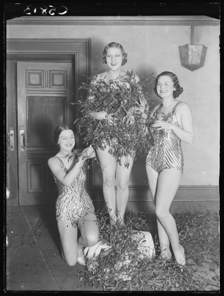 A mistletoe tableau, Prince of Wales Theatre, London, 1933.