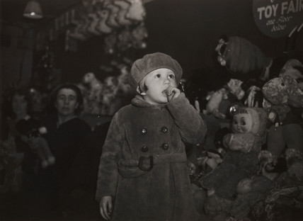 Children at Christmas, 16 December 1938.
