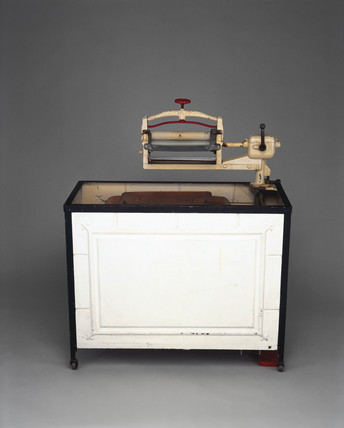 'Locomotive' electric washing machine and mangle, 1929.