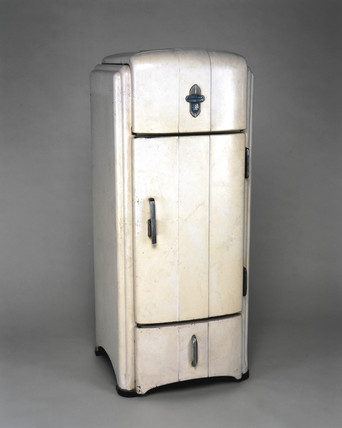 'Shelvador' electric compresion domestic refrigerator, 1934-1935.