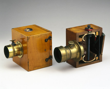 The Dubroni wet-plate camera, 1864.