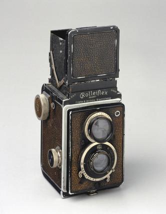 'Rolleiflex' camera, original model, 1930.