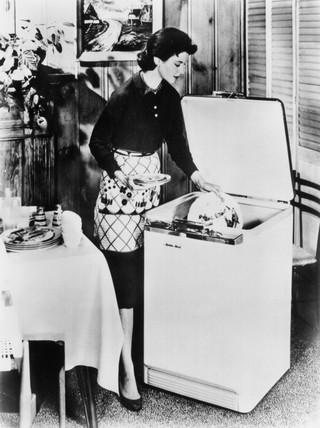 Dishwasher demonstration, 26 January 1957.