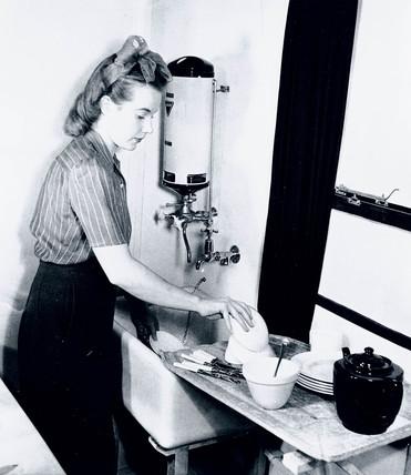 Washing-up, 19 December 1942.