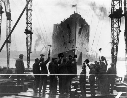 Launch of the 'Queen Mary' liner, 26 September 1935.