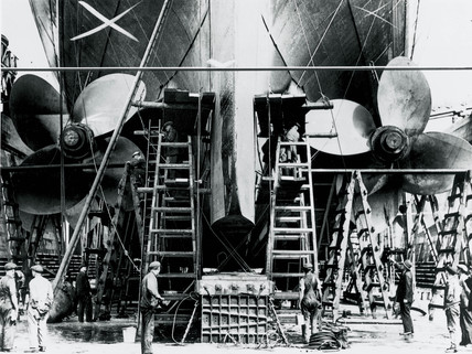 Working on the propellers of the 'Queen Mary', Southampton, 16 July 1936.