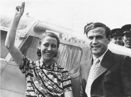 Amy Johnson and her husband, James Mollison, 5 May 1936.