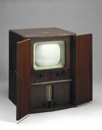 McMichael combined television and radio receiver, 1950.