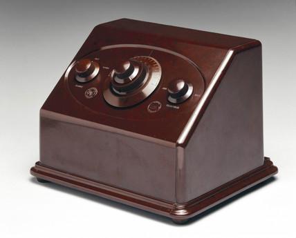 Pye 232 radio, c 1928.