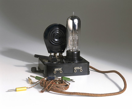 Loewe multiple valve radio receiver, late 1920s.