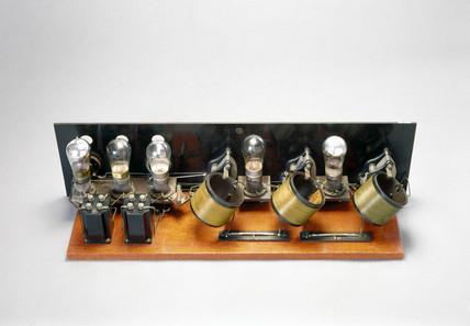 FADA Neutrodyne wireles receiver kit, 1925.