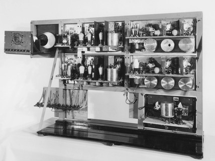 Apparatus used by R Watson Watt to detect radio echoes from aircraft, 1935.