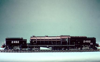 3-rail 2-8-8-2 electric locomotive no 2592.