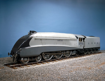 'Silver Link', London & North Eastern Railway locomotive No 2509, 1935.