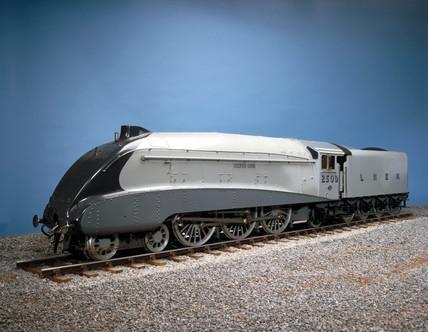 'Silver Link', London & North Eastern Railway locomotive No 2509, 1935.