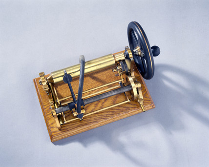 Bell and Tainter's graphophone, 1886-1887.