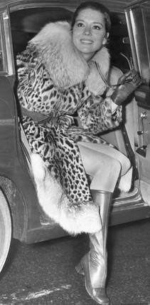 Diana Rigg in a leopard-skin coat, November 1968.
