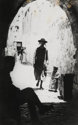 Russian Jews with British soldier, Jerusalem, c 1925.