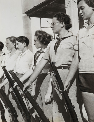 American women with guns, Jewish settlement in Palestine, c 1930.