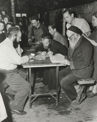 Jewish immigrants from Hamburg, 1947.