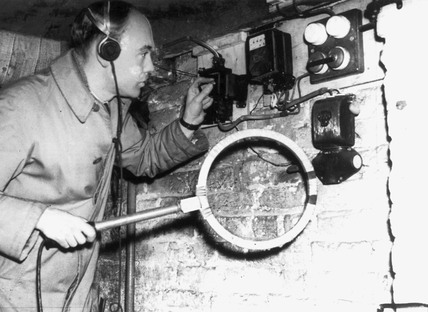 GPO radio engineer at work, 30 November 193
