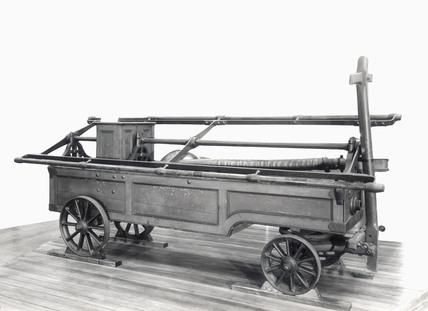 Hand-drawn manual fire engine, 1804.