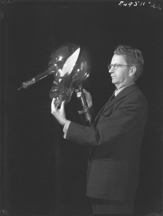 John Logie Baird with a telechrome device, 25 July 1942.
