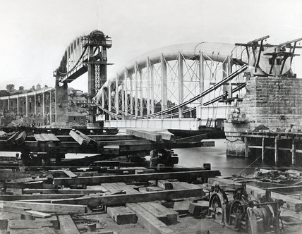 Brunel's Royal Albert Bridge under construction, Saltash, 1859.