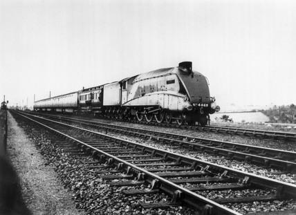 'The Mallard' 4-6-2 steam locomotive, 1938. Mal