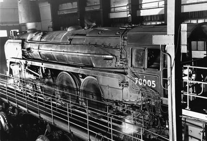 'Britannia' class 4-6-2 locomotive 'John Mi