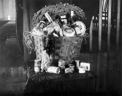 A Crosse & Blackwell's Christmas hamper, No