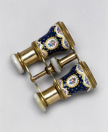 Binocular opera glasses, 1850-1880.