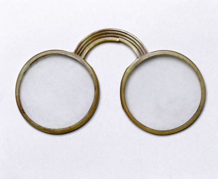 Armless 'pince-nez' spectacles, 17th century.