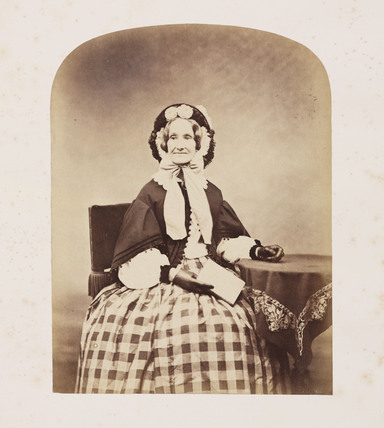Unknown woman, mid-19th century.