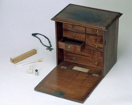 Medicine chest and assorted medicinal items, 1750-1950.