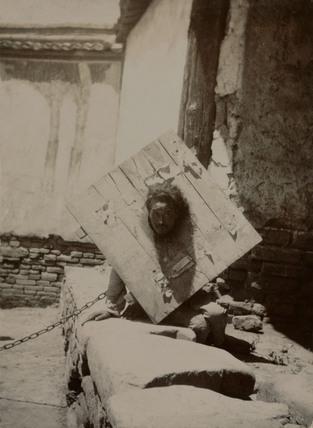 Chinese prisoner, c 1902-1904.