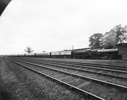 The 'Sir Gilbert Claughton' steam locomotive, Buckinghamshire, 1913.