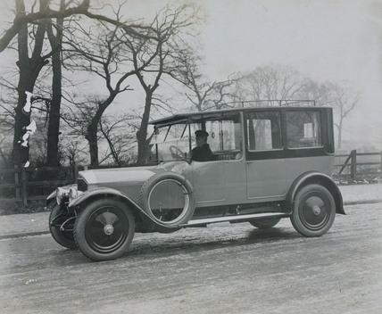 Cunard saloon car with chauffeur 6 cylinder